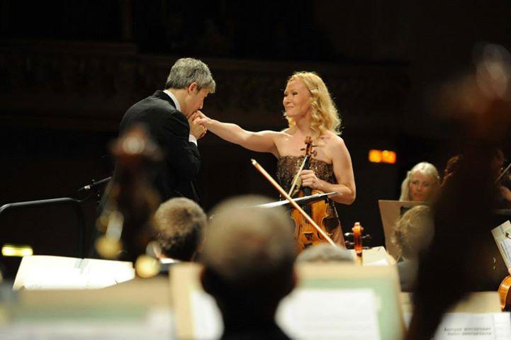 "Nov, 2013: ""Poem of Dawn"" for Viola and Symphony Orchestra at Il Settembre dell'Accademia"