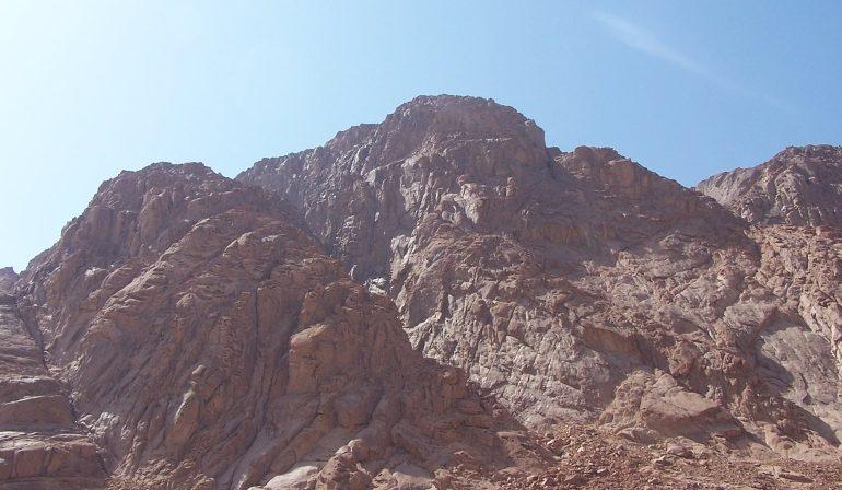 On Mount Sinai (2004)